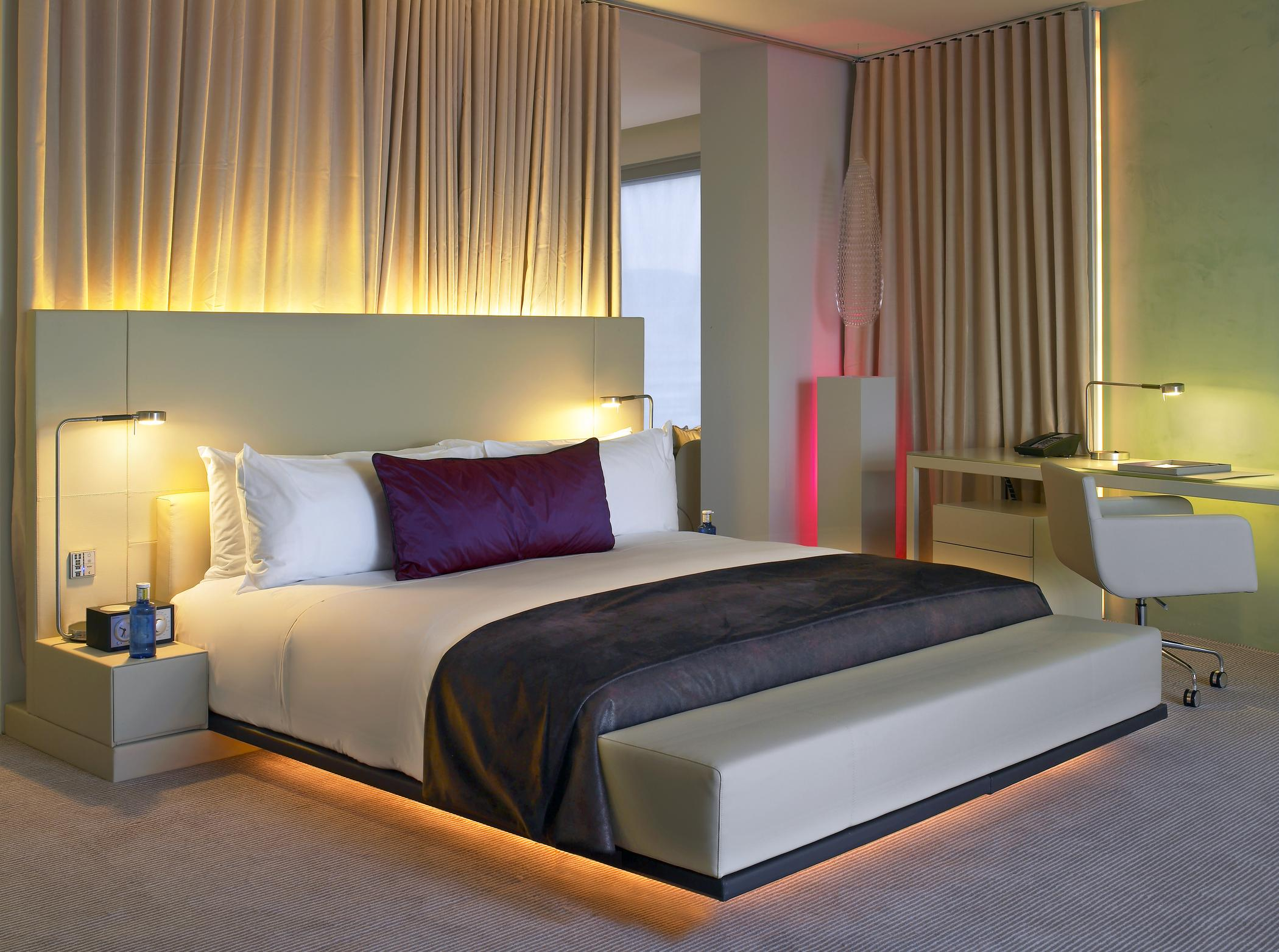 Hotel rooms in the w hotel barcelona akommo for Chambre barcelona