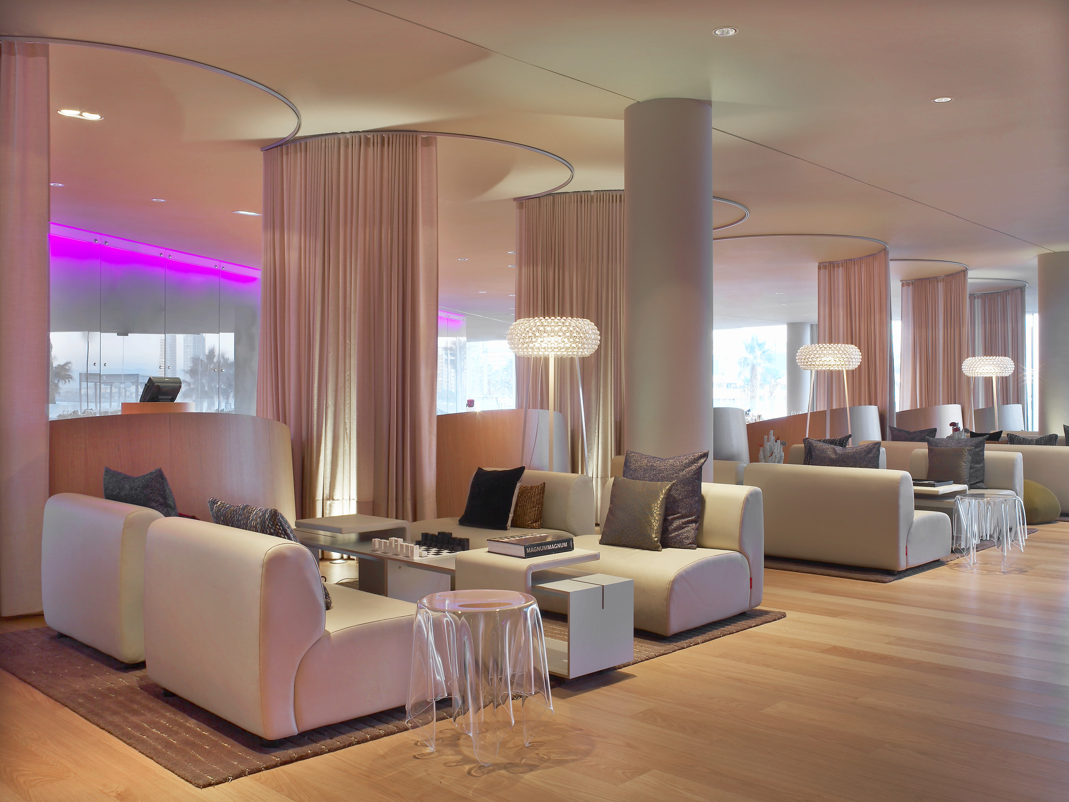 Hotel rooms in the w hotel barcelona akommo for W barcelona bar