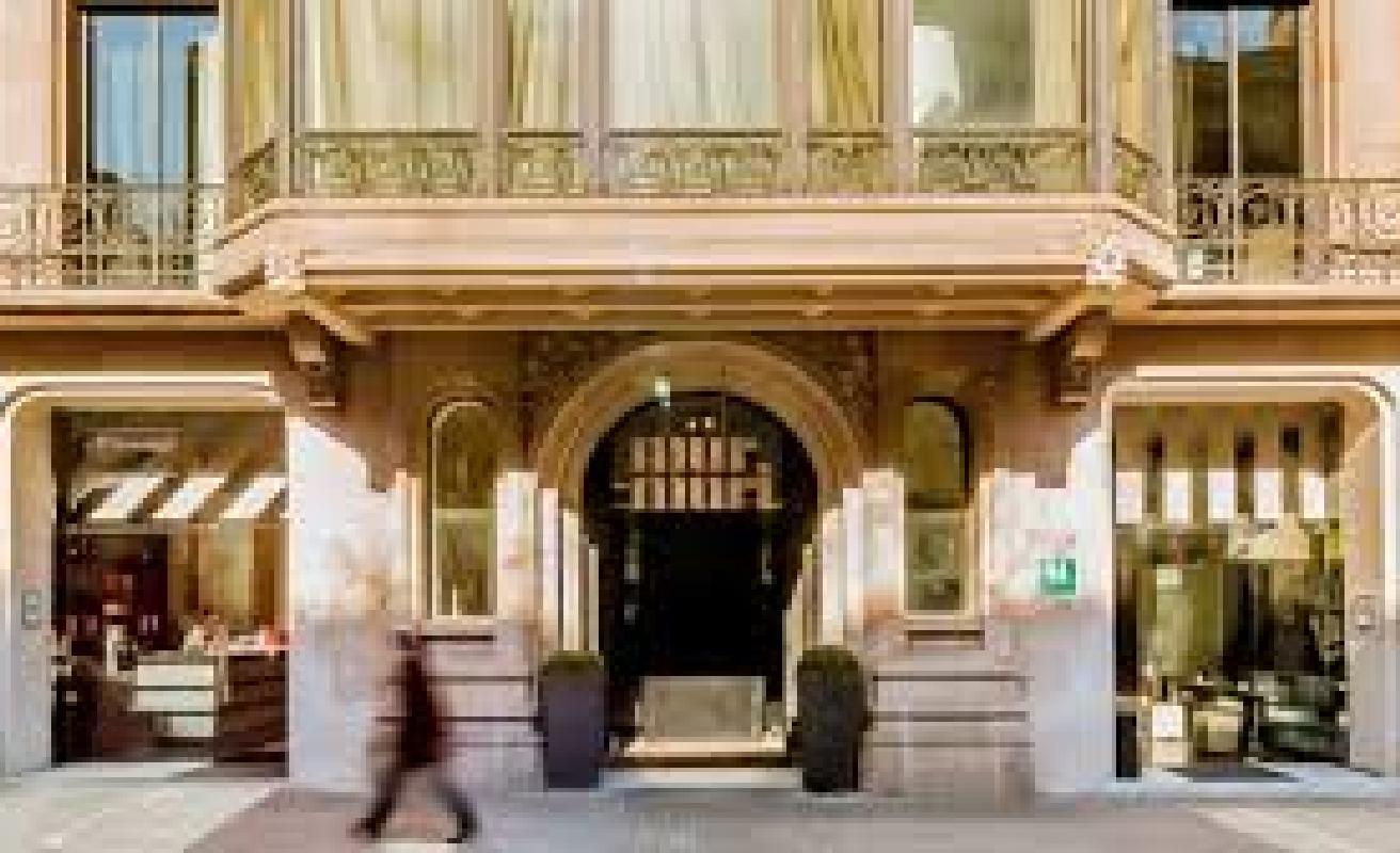 Hotel murmuri murmuri residence accommodations akommo for Bar marfil barcelona