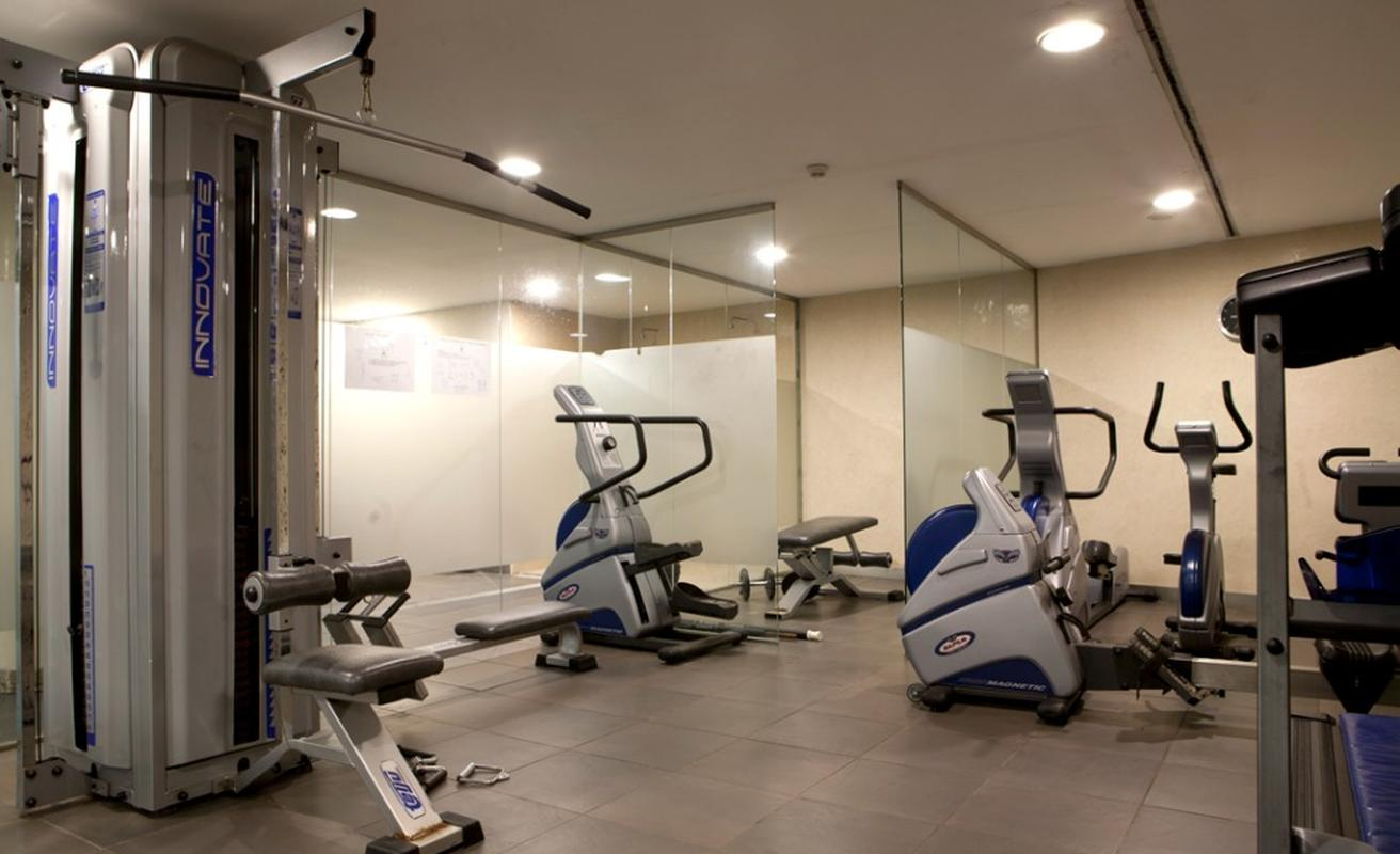 Hotel barcelona fira exhibition center akommo for Gimnasio hospitalet