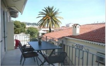 Charming 1.5 bedroom apartment with terrace