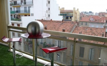 Bright one bedroom apartment in Cannes