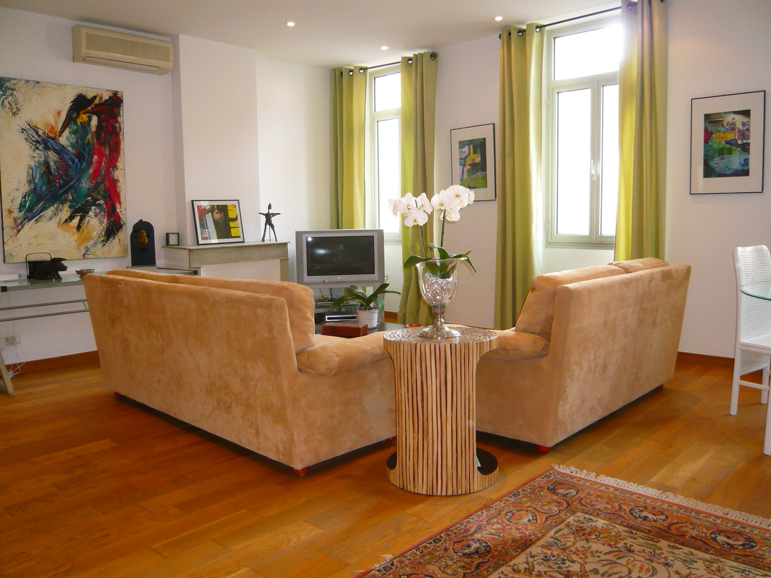 Central three bedroom in Cannes