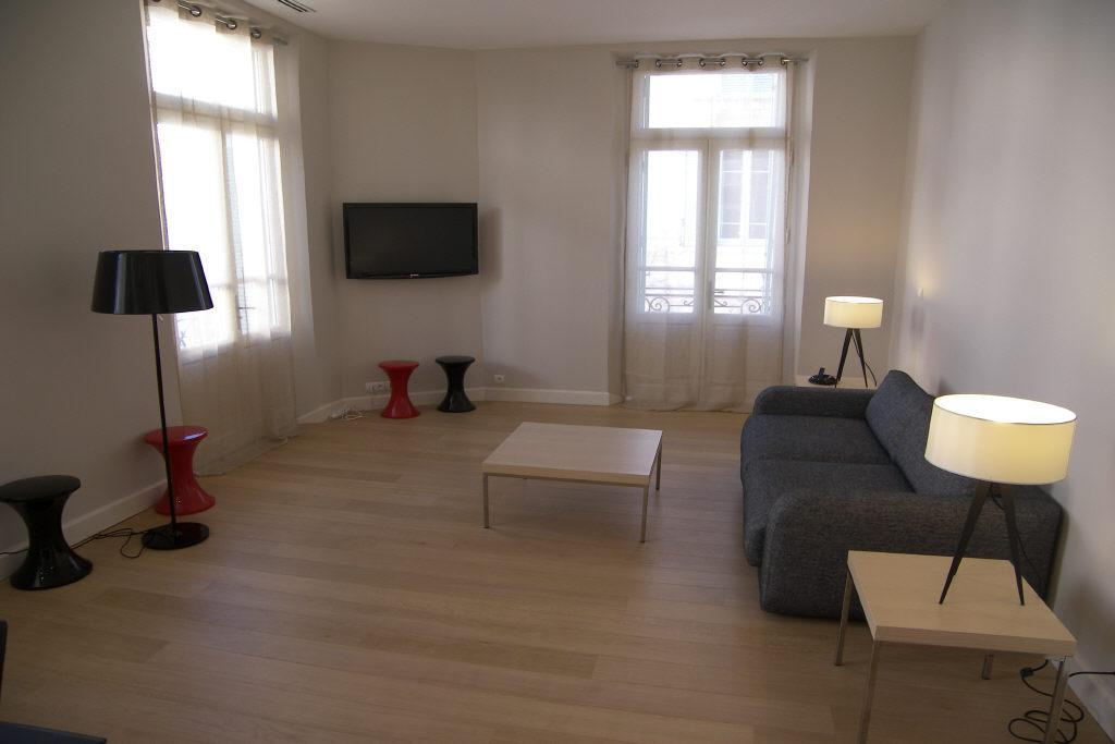 Stunning five bedroom on the rue d'Antibes
