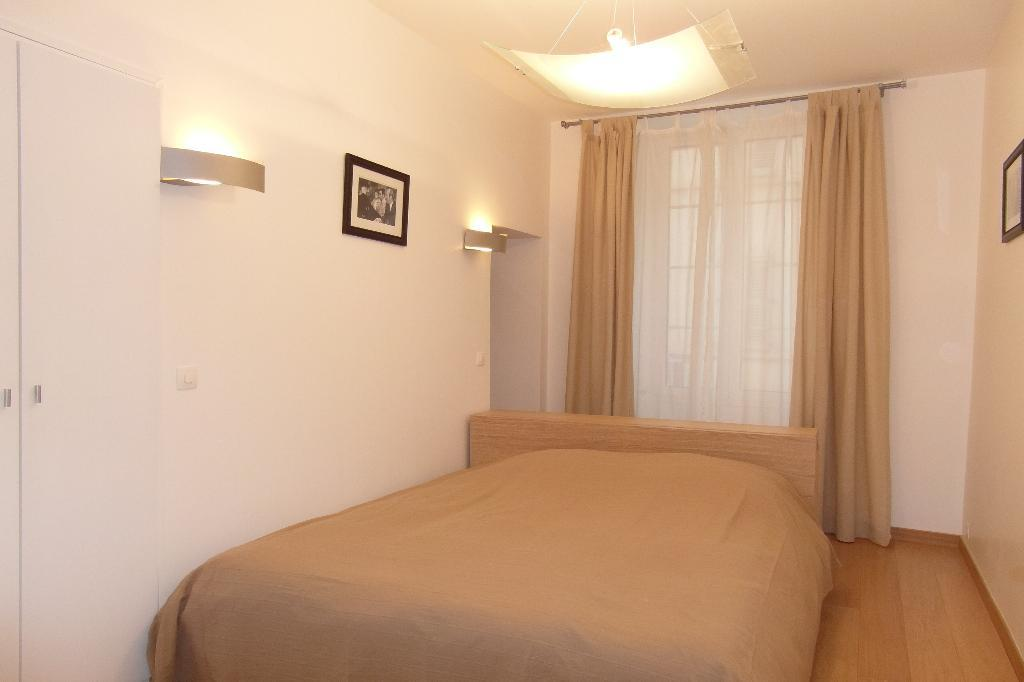 Three bedroom apartment facing the Palais des Festivals