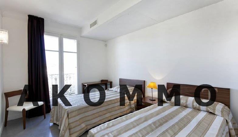 Four bedroom apartment close to the Palais