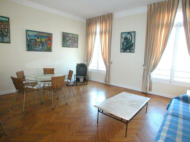 Central 3 bedroom apartment in Cannes
