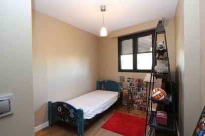 Renovated four bedroom two bathrooms apartment