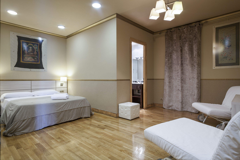 Comfortable four bedroom apartment on Rambla Catalunya