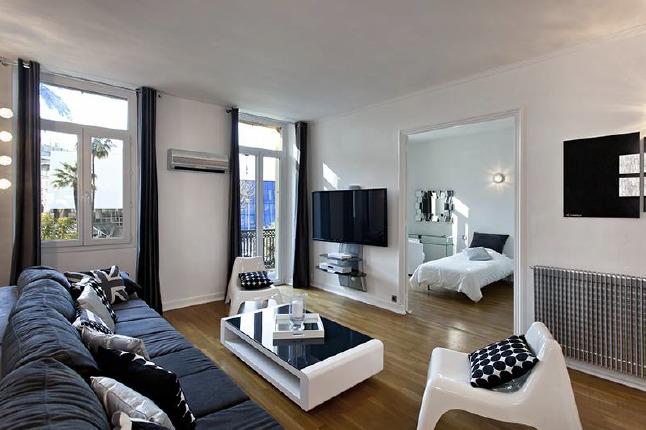 Amazing three bedroom opposite the Palais