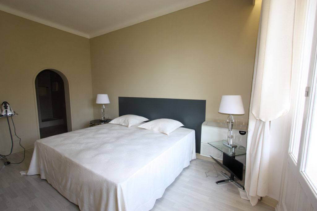 Stunning three bedroom apartment near the Croisette