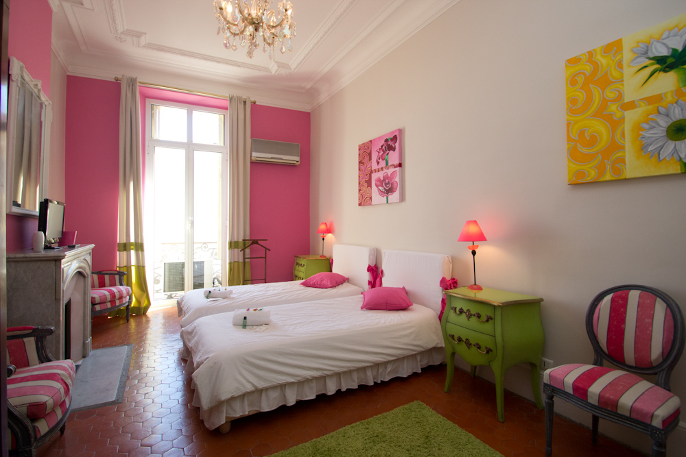Palatial 4 bedroom 3 minutes from the Palais