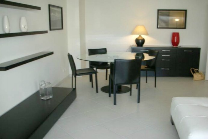Elegant two bedroom apartment minutes from convention centre
