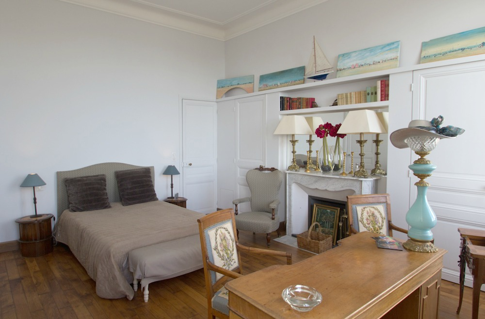 Fantastic six bedroom villa with pool