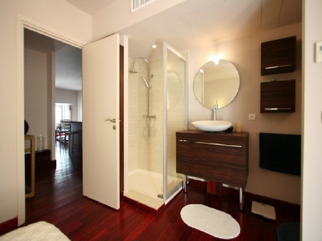 Two bedroom 300m from the Palais