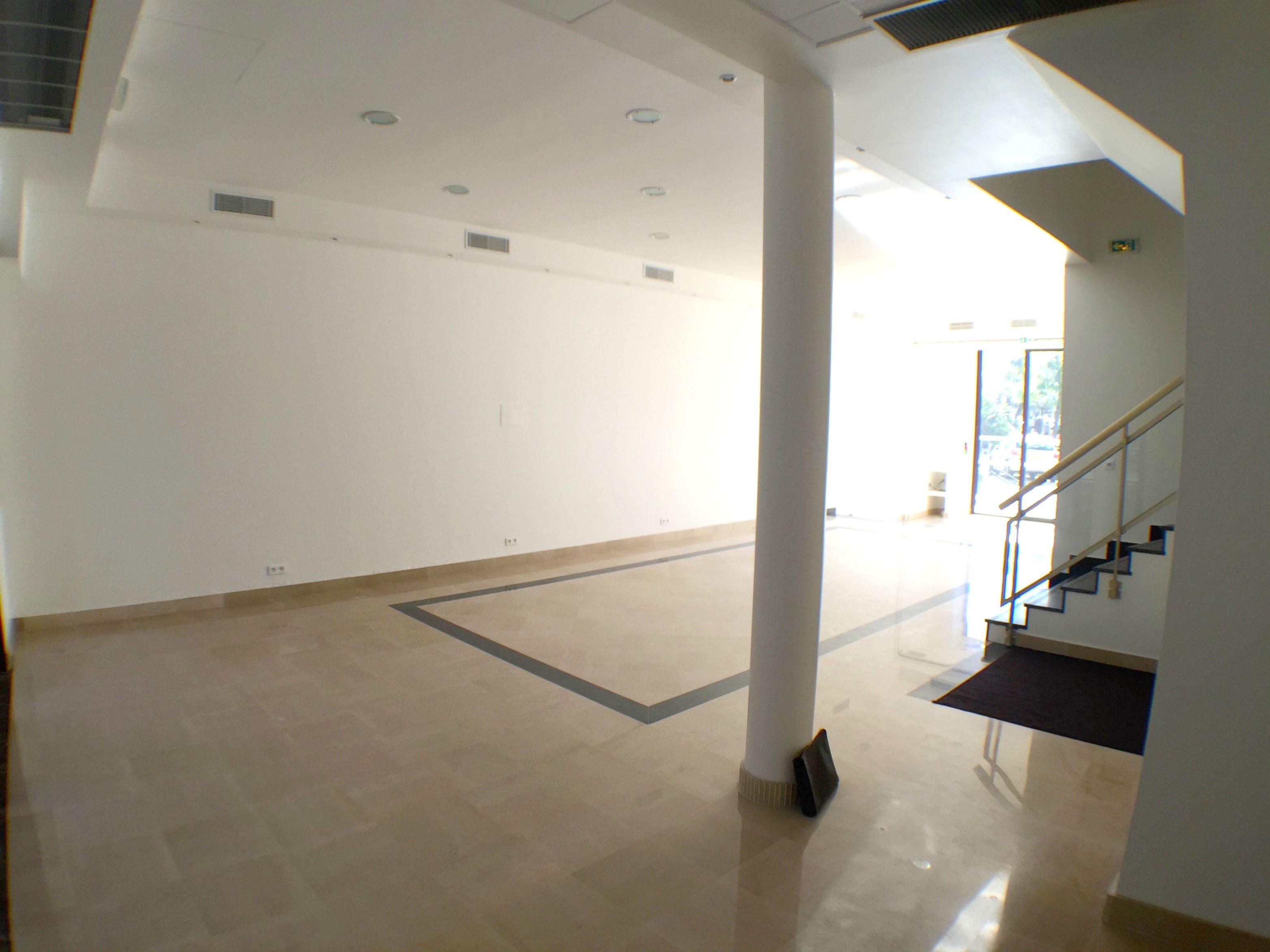 290 m2 venue space opposite the Palais des Festivals