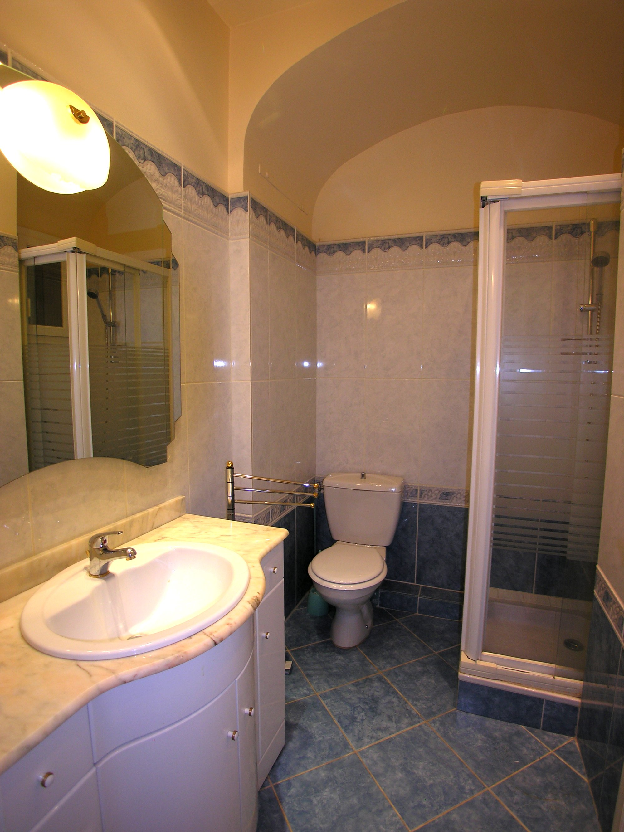 Studio apartment with double bed in the Palais Miramar
