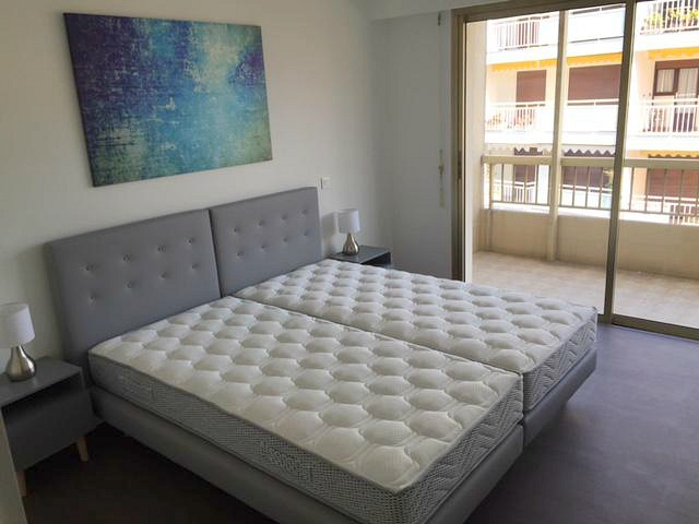 Newly renovated two bedroom apartment near Carlton Hotel