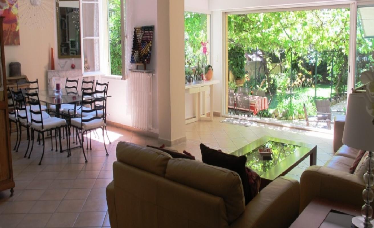 Great four bedroom villa Palm Beach area