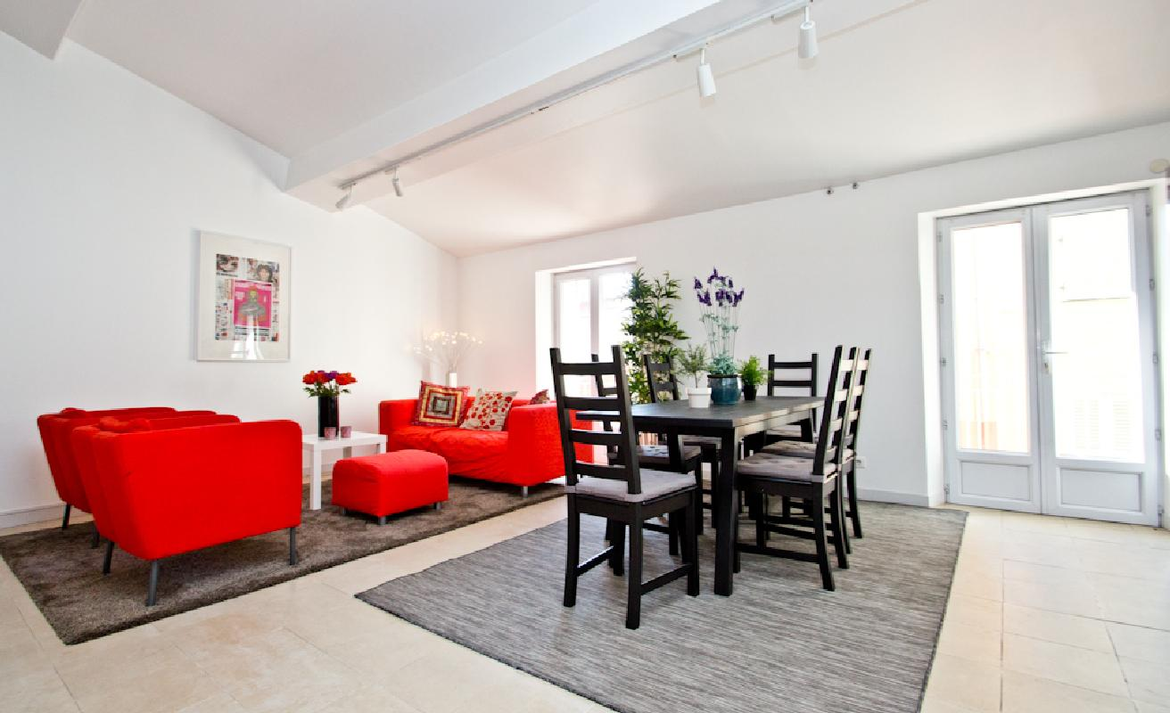 Bright loft for six people in Cannes Suquet