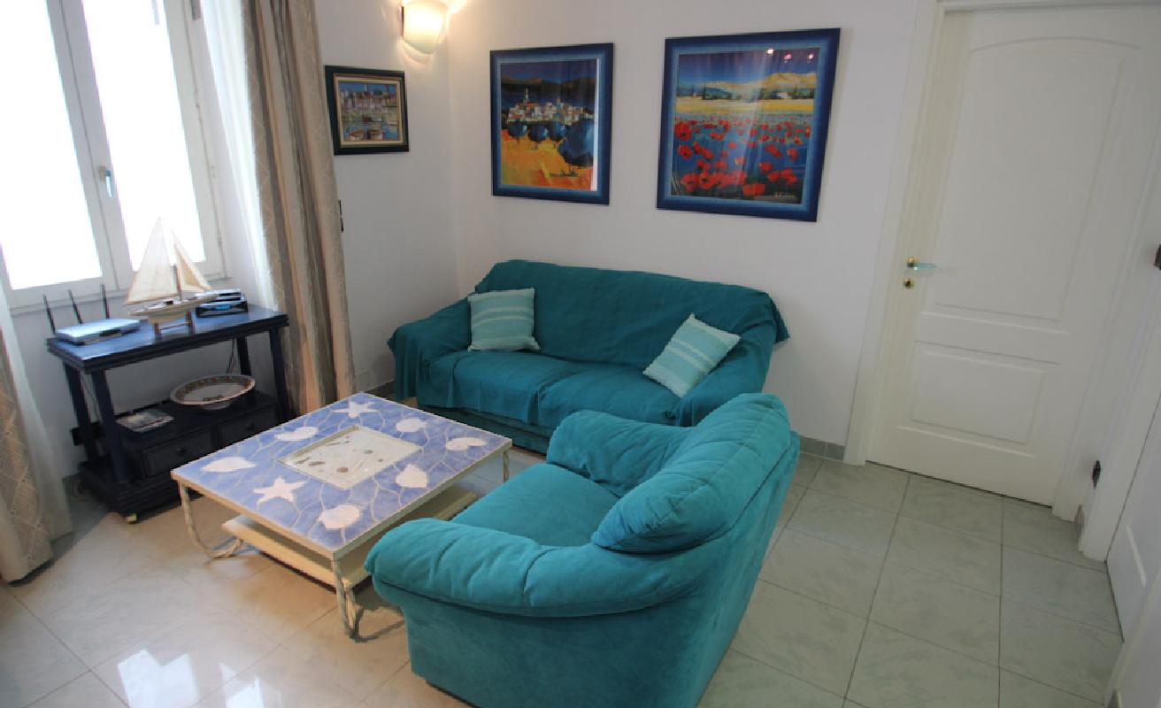 Ideally located two bedroom 50m from the Palais