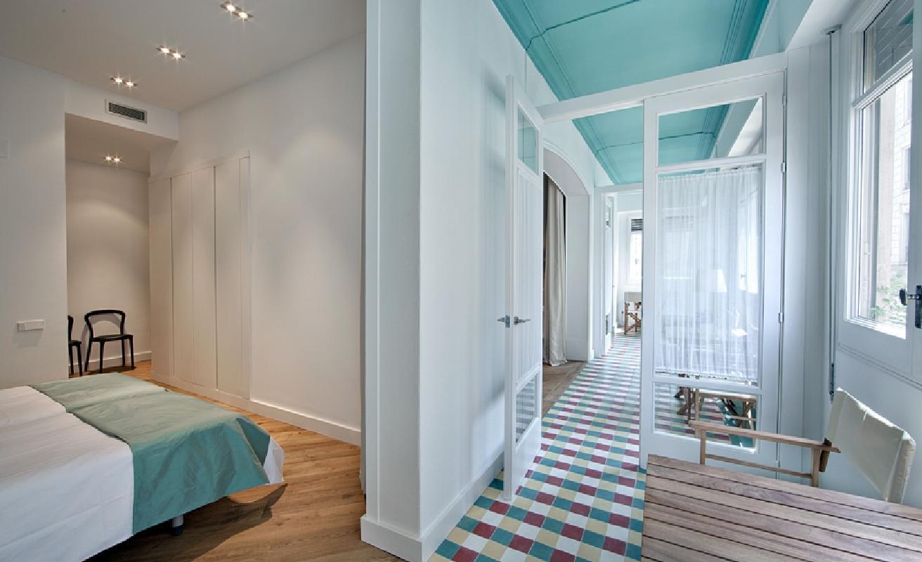 Beautiful three bedroom on Rambla Catalunya