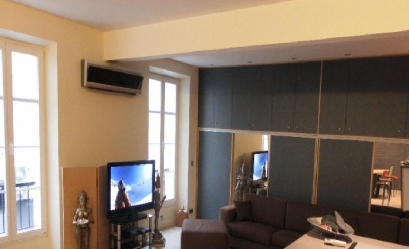 Spacious three bedroom apartment on Rue Pradignac