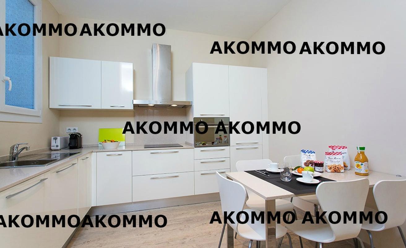 Elegant two bedroom apartment in the Suquet