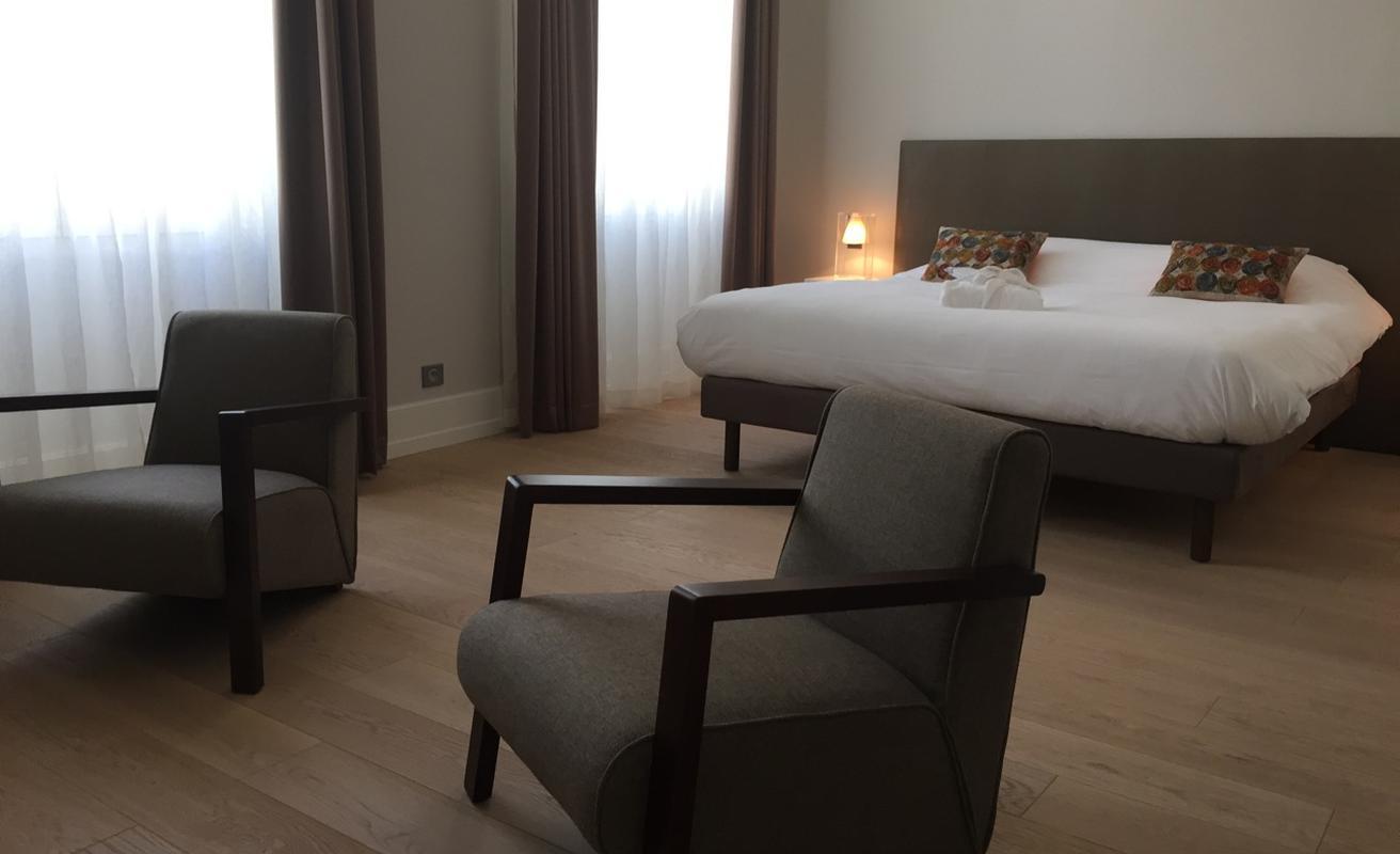 Luxurious three bedroom apartment facing the Palais
