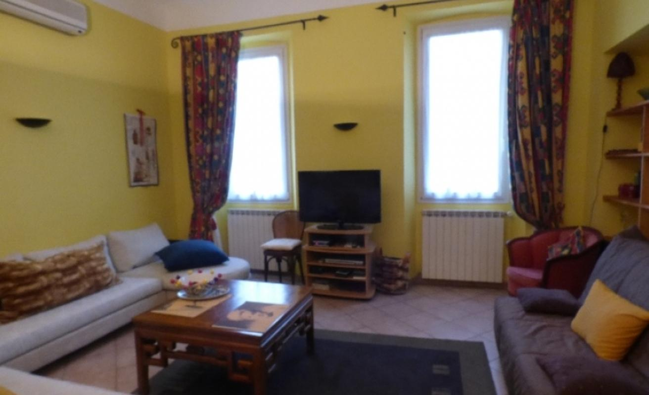 One bedroom apartment on Félix Faure
