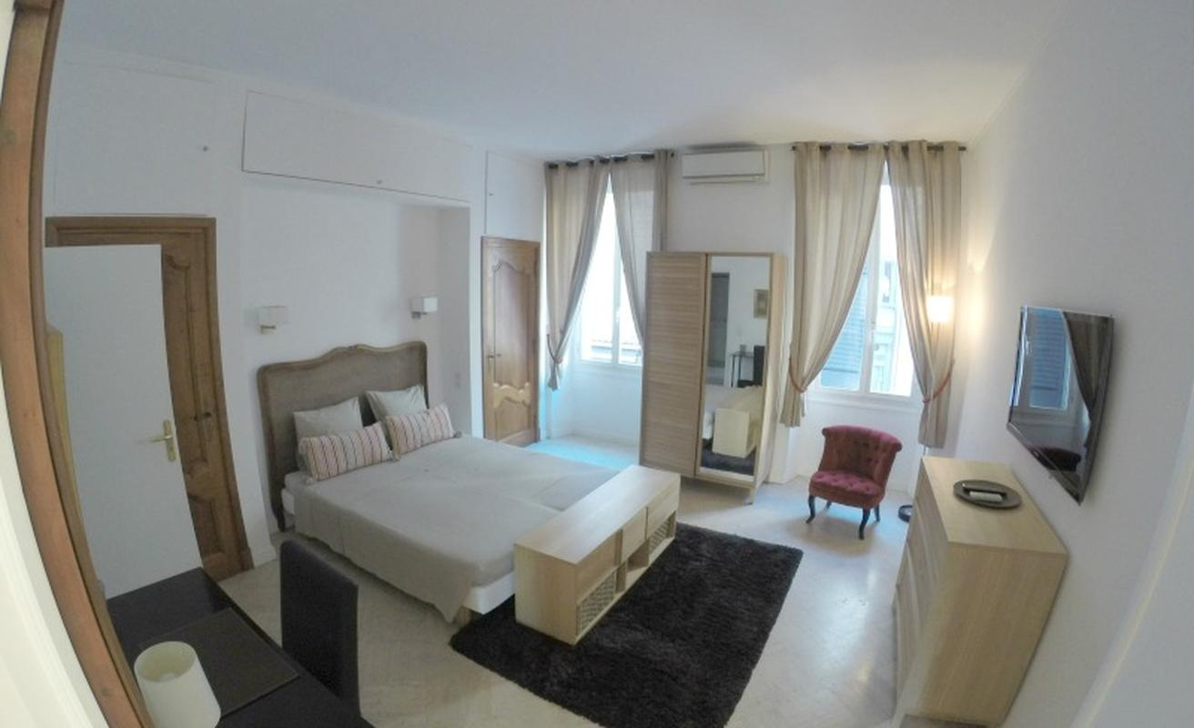 Spacious three bedroom facing the Palais