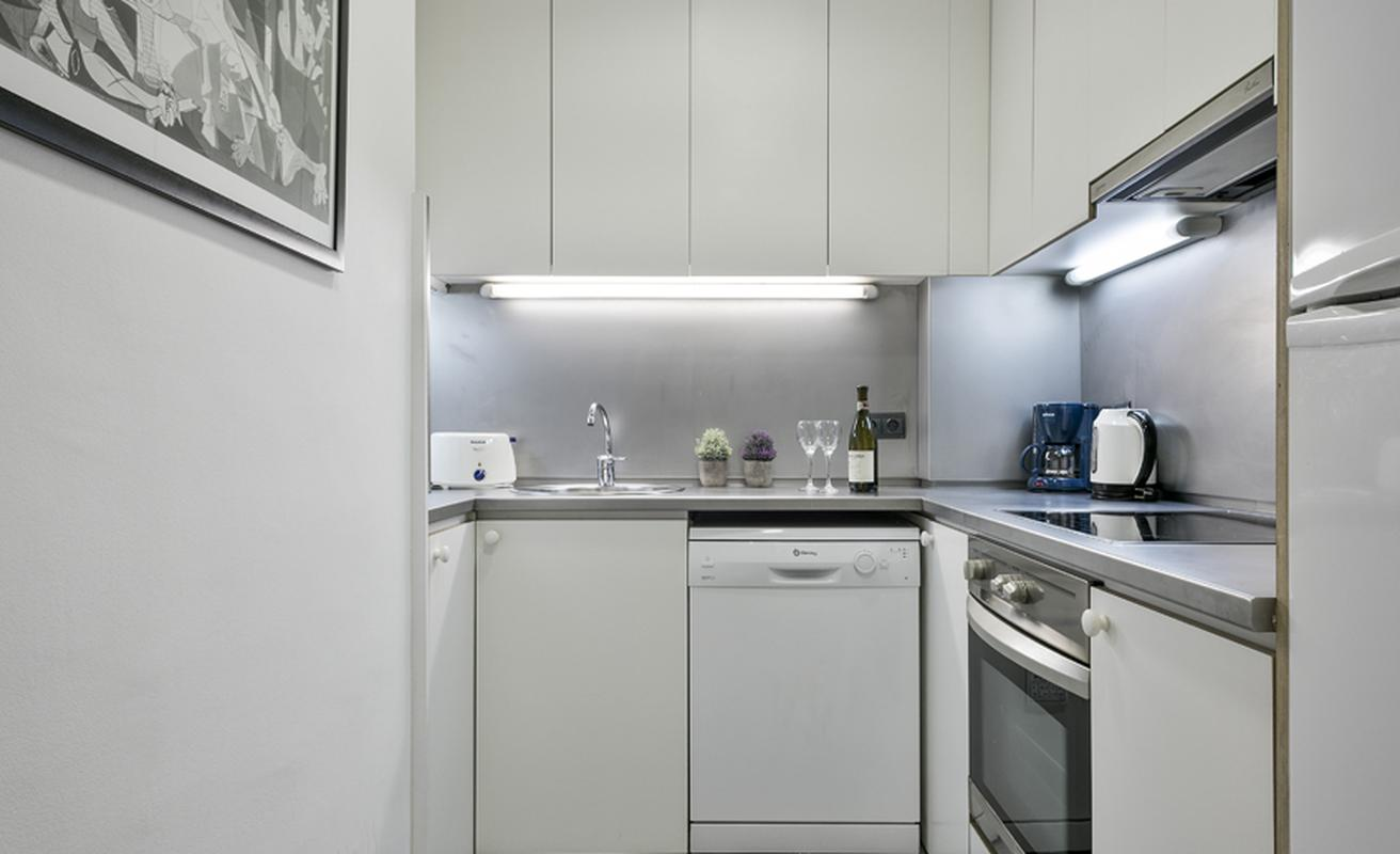 Stunning three bedroom apartment in the Barceloneta