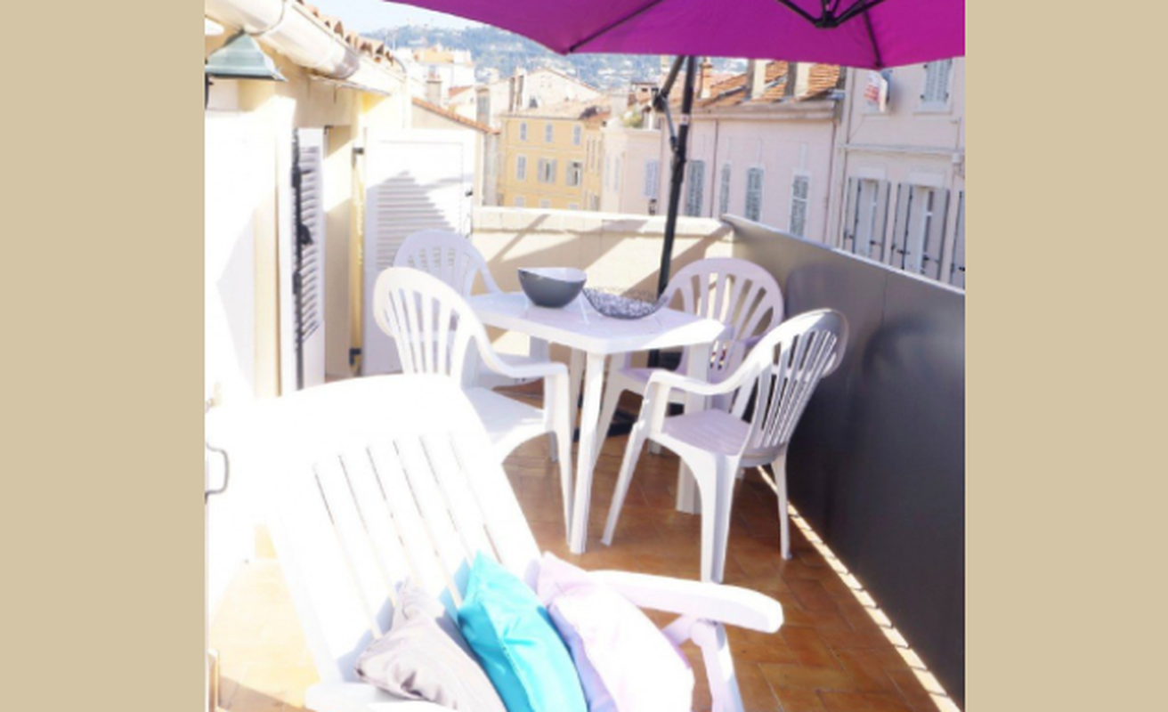 Sweet two bedroom with terrace in Cannes Old Port