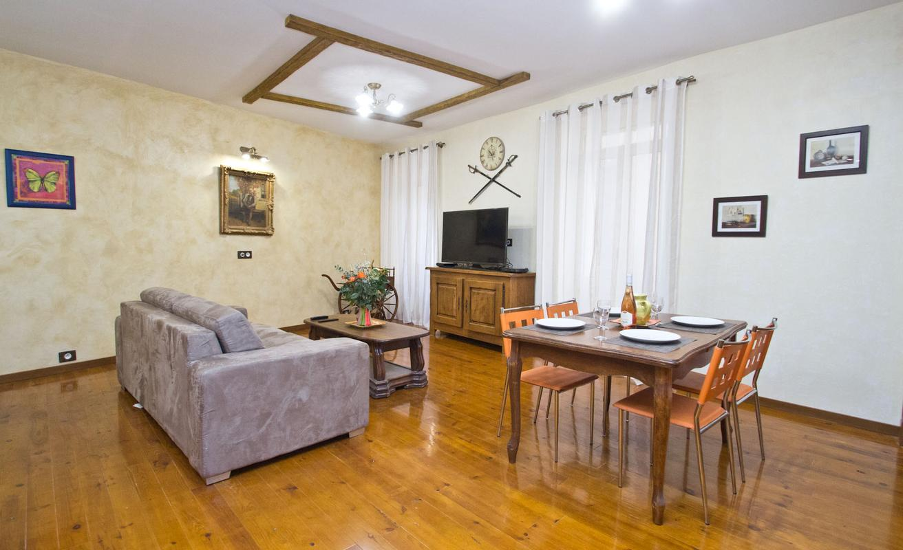 Recently Renovated One Bedroom