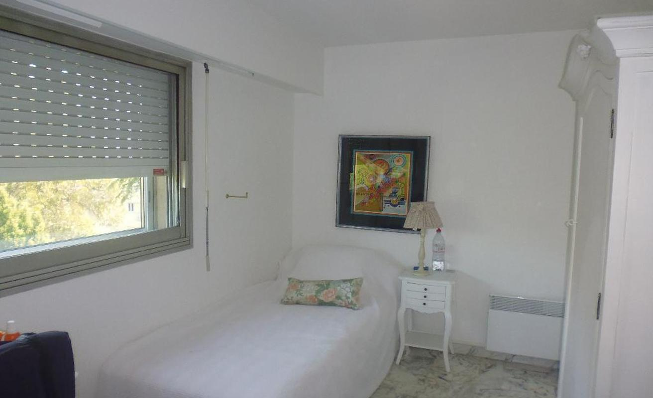 Bright Two Bedroom