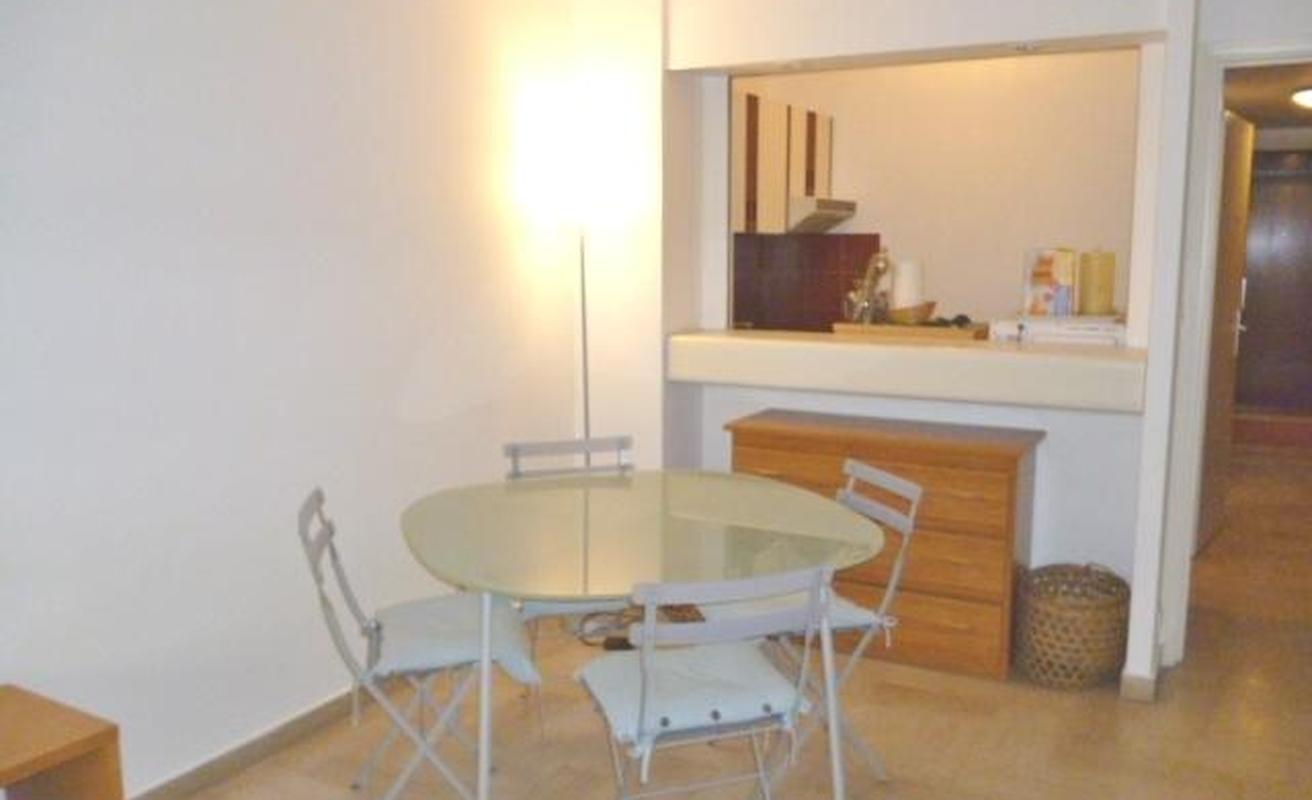 Wonderfully Lit Studio Apartment