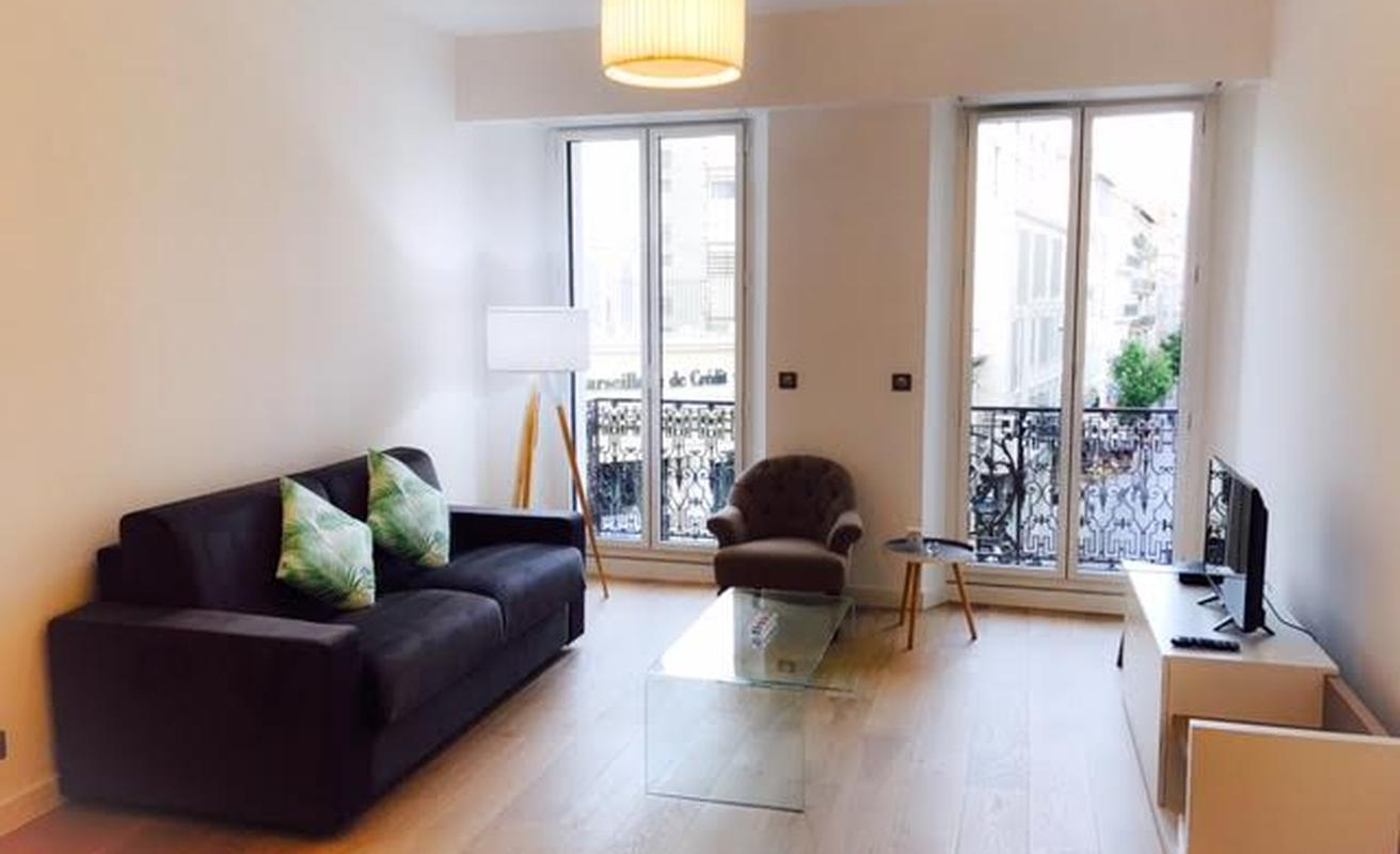 One Bedroom 4 Mins from Palais