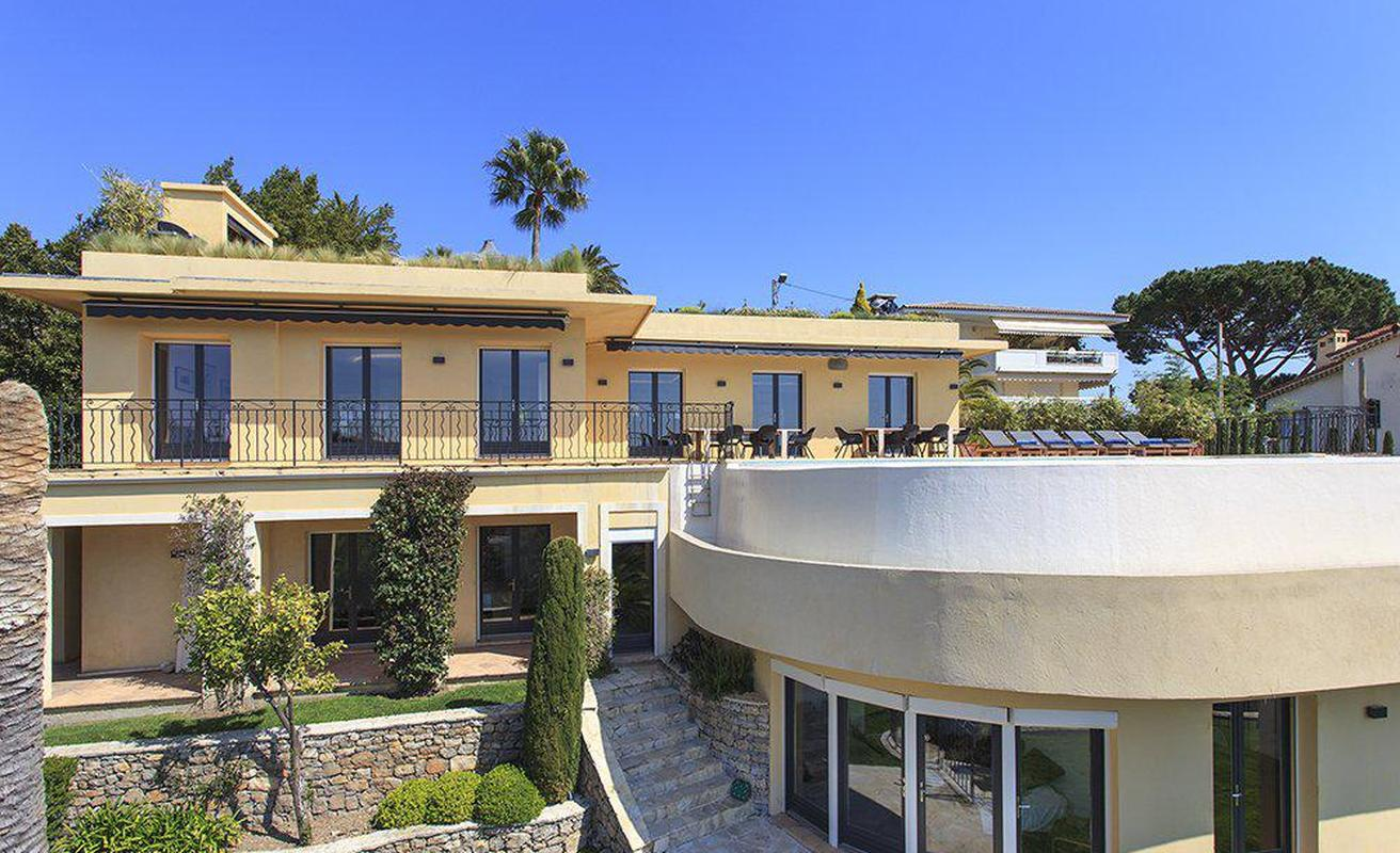 Provencale style eight bedroom villa