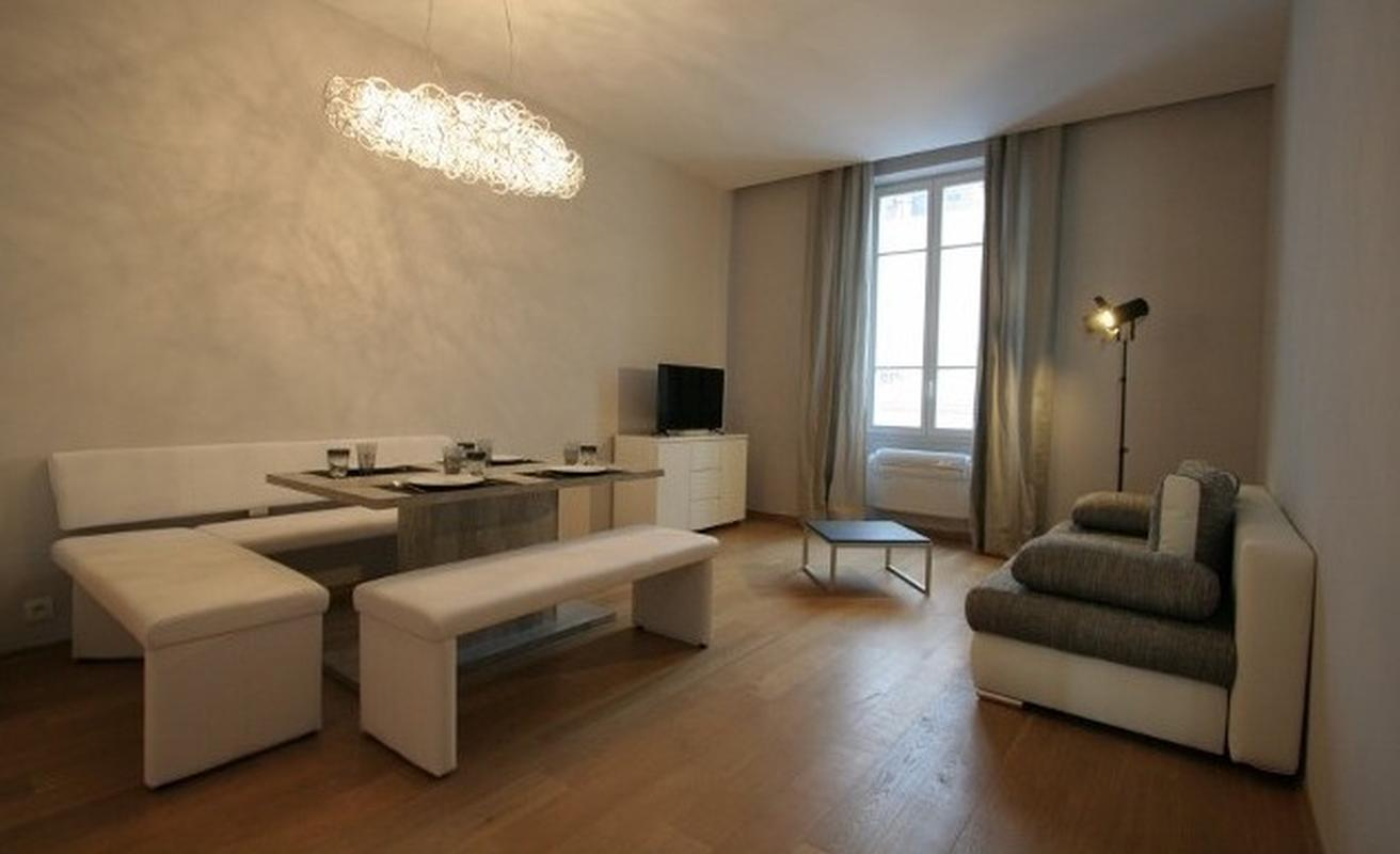 Two Bedroom near Palais