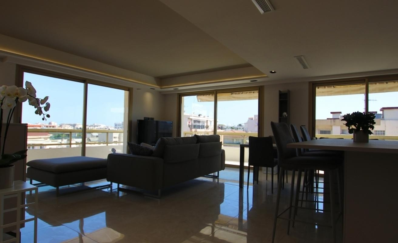Fully Renovated, Luxurious Three Bedroom Apartment