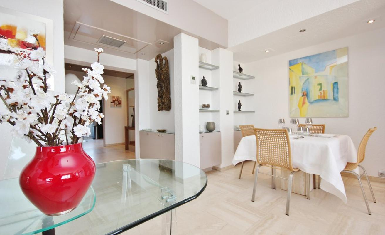 Exquisite Three Bedroom Penthouse with Sea Views