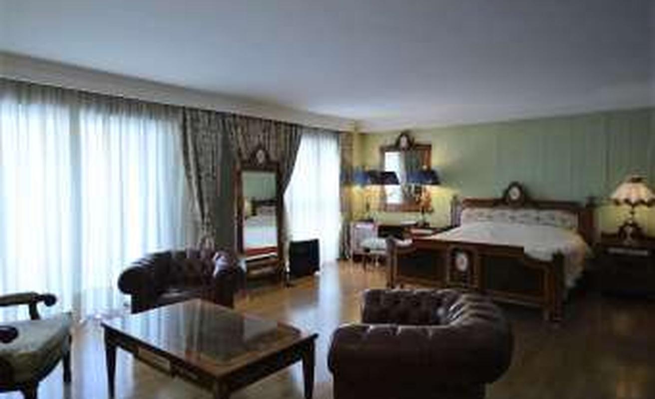 Beautiful three bedroom apartment with balcony